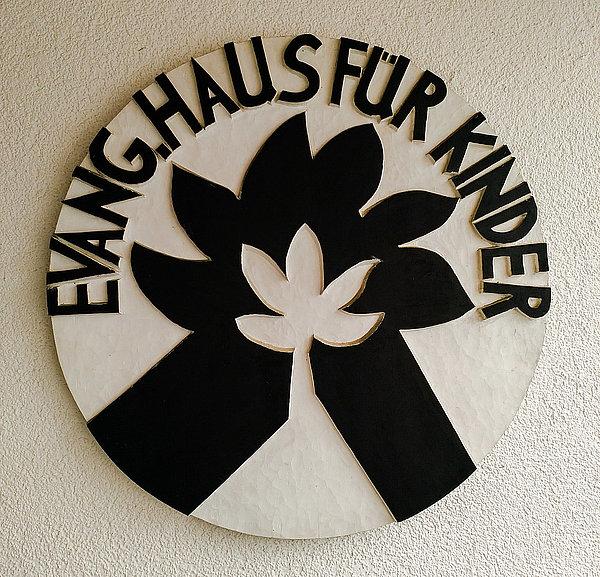 a1f07ac5f1 ... Evangelisches Haus für Kinder und Evangelische Kinderkrippe  Einsteinstraße. Wir freuen uns über Ihr Interesse. Bei Fragen zu unserem  Angebot können Sie ...